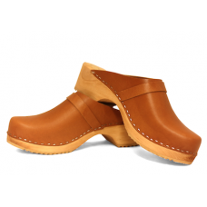 Men clogs in vegetal tanned leather