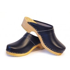 Plain leather children clogs